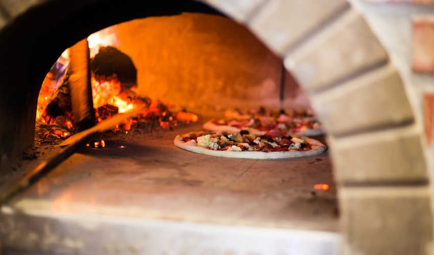 Best Wood-Fired Pizza?: Our Readers Weigh In