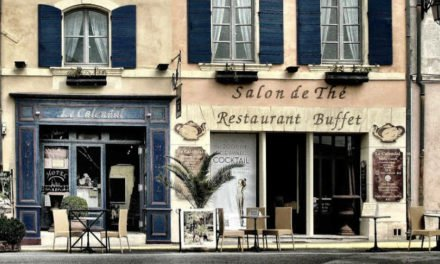 Travelers Top 7: How to Find the Best Local Restaurants When You Travel